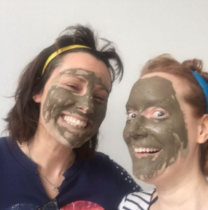 Green clay face mask to help clear black heads